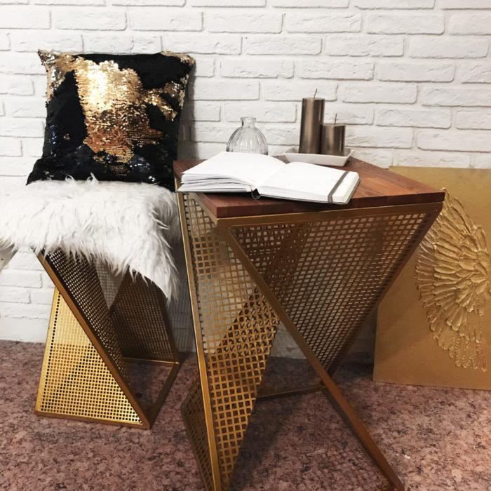Стол лофт золото